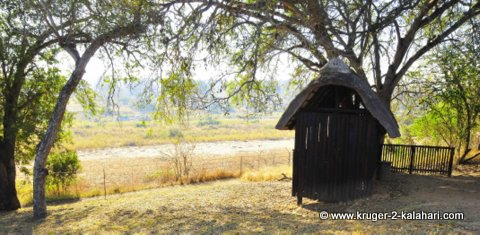 Bird hide at Biyamiti camp