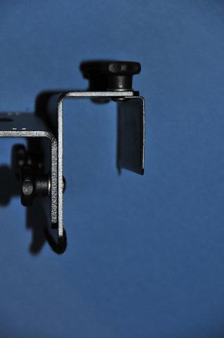 Eckla-Eagle Cardoor clamp