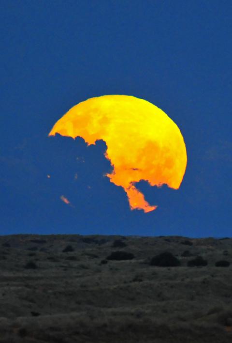 Rising of full moon at Kieliekrankie