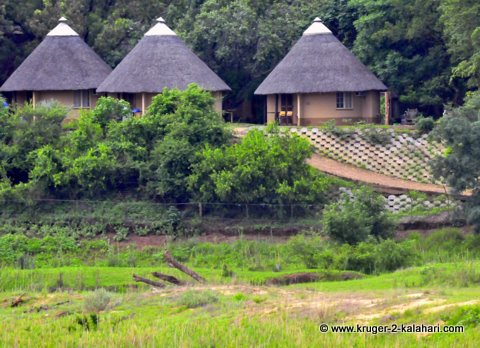Letaba bungalows with river view