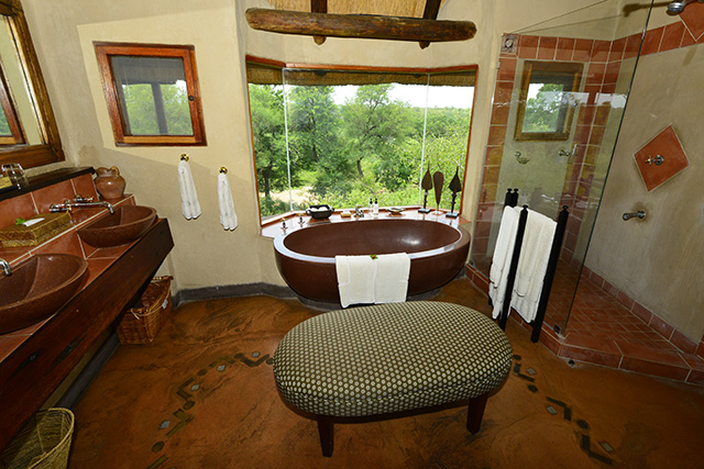 Lukimbi - bathroom with a view!