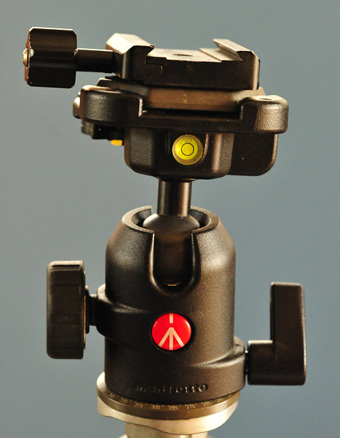 Manfrotto ballhead with arc swiss clamp