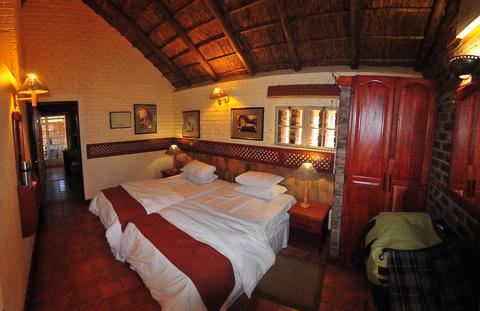 Manyane chalet bedroom