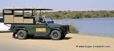 Safari game viewing vehicle