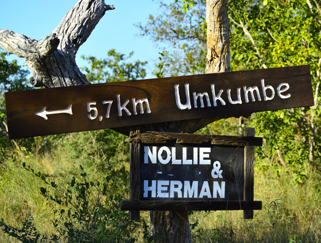 Umkumbe Lodge sign
