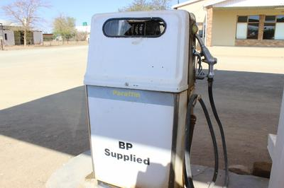 You can still get Paraffin at a pump in Noenieput.