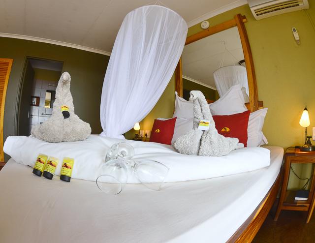 Kalahari Anib Lodge bedroom