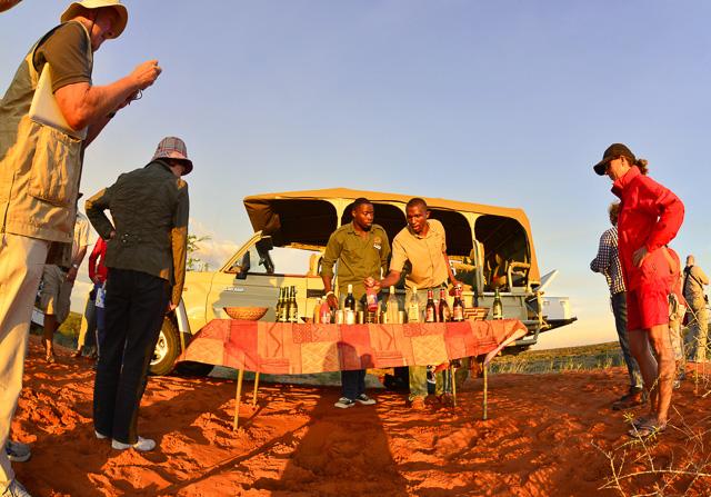 Kalahari Anib Lodge - sun-downers on dune
