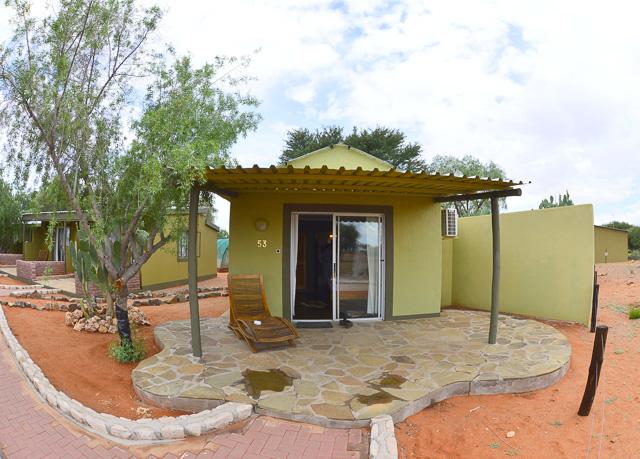Kalahari Anib Lodge chalet