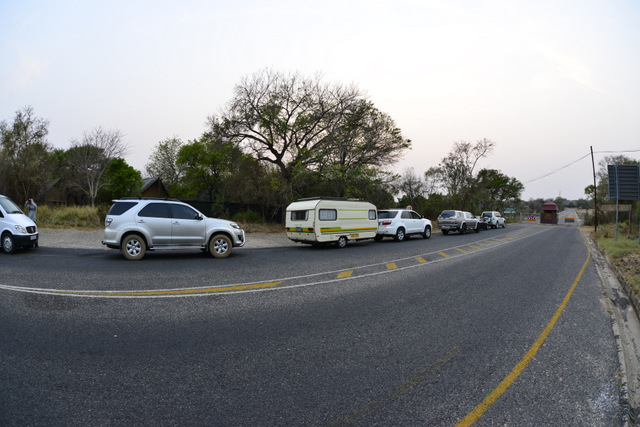 A queue at the Paul Kruger Gate