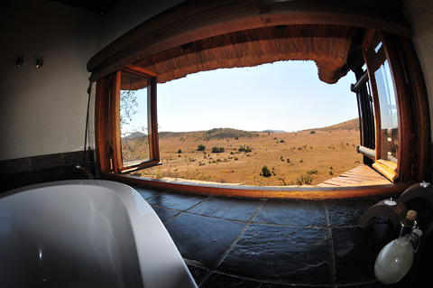Lanscape view from bathroom in Tshukudu Bush Lodge