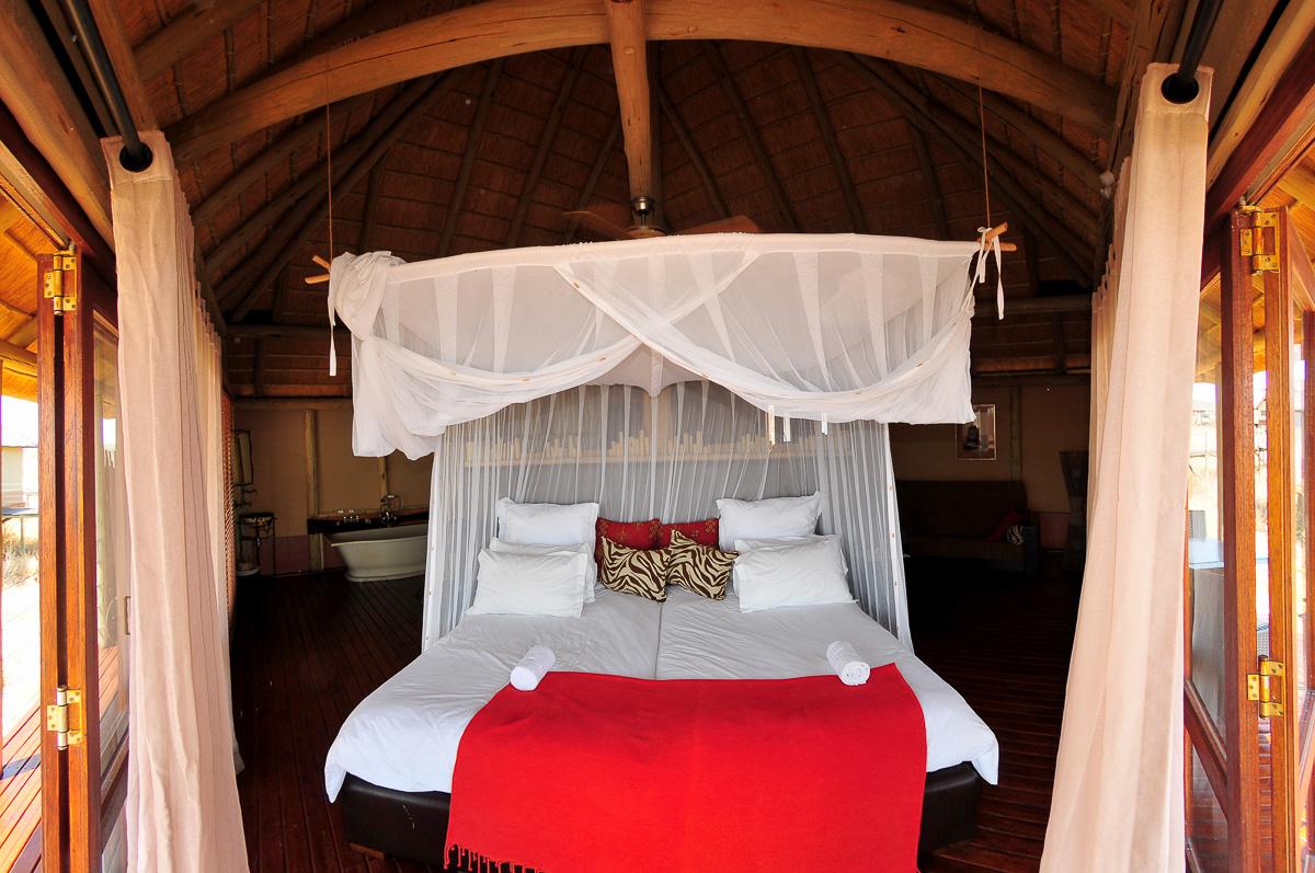 Onkoshi bedroom