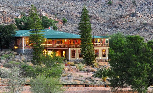 Desert Horse Inn at dusk
