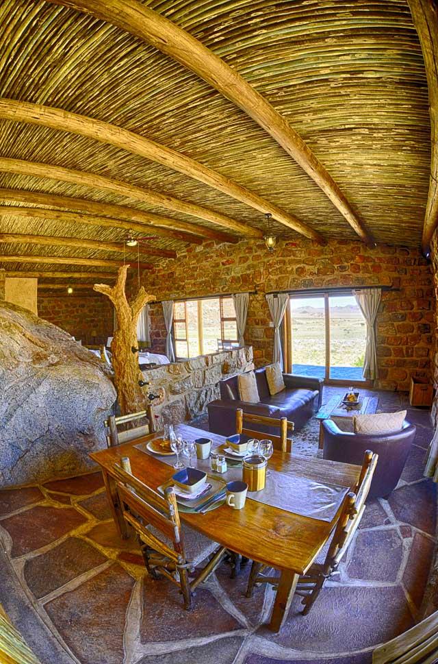Lounge and diningroom